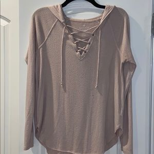 American Eagle pink pull-string shirt with hood
